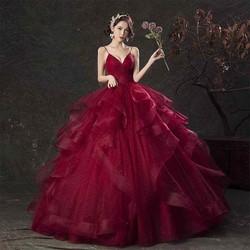 áo cưới đỏ đô tùng bèo 2 dây phồng to xinh đẹp màu  vang