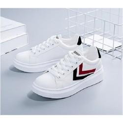 Giày sneaker nữ mầu trắng