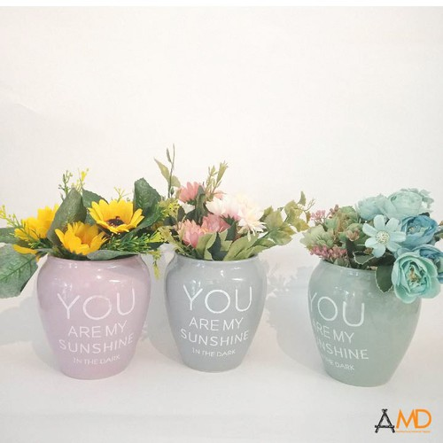 Bình và hoa trang trí tết