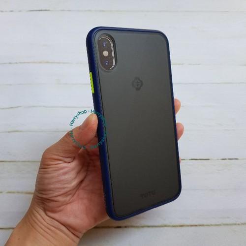 Ốp lưng iphone xs max nhám mờ viền xanh chống sốc hiệu totu