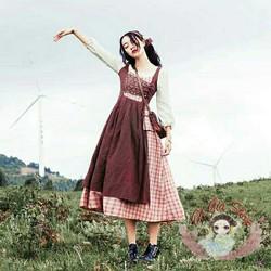 Trang phục đầm mori kèm khăn đầu đầm vintage