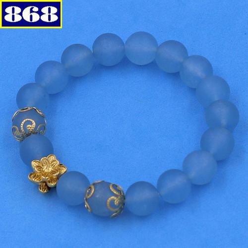 Vòng tay đá thạch anh xanh da trời mờ hoa sen 10 ly vtaxbmhsbkv10