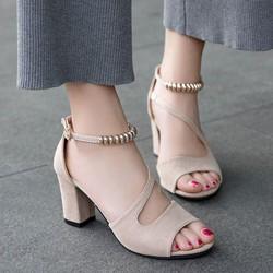 Giày cao gót nữ hở mũi gót vuông hạt chuỗi 7 cm – màu kem