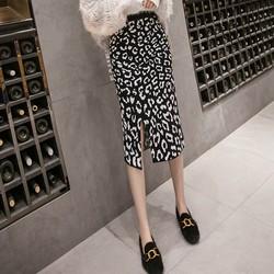 Chân váy họa tiết da beo xẻ tà Mã: VN900