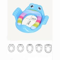 Bệ lót bồn cầu hình ếch có tay vịn cho bé