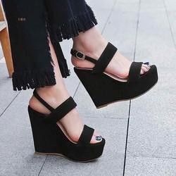Giày sandals Hai quai de xuồng