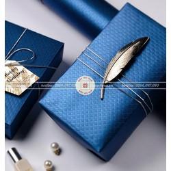 Giấy gói quà hoa văn nổi cao cấp xấp 20 tờ 50x70