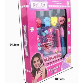 Bộ sơn móng tay trang điểm kẹp tóc cho bé gái - 64645645 thumbnail
