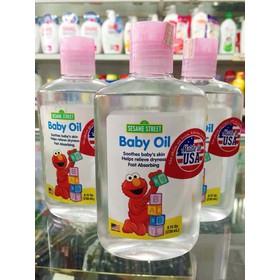 Tinh Dầu Massage Baby oil Sesam street Nhập Khẩu Mỹ 236ml - Tinh dầu baby oil