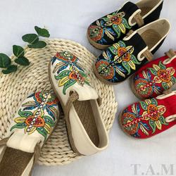 TAM01 giày thêu hoa