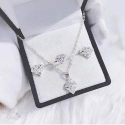 Bộ Bạc hình kim cương