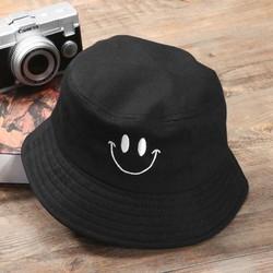 Mũ bucket mặt cười