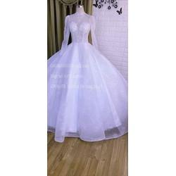 áo cưới Quỳnh Anh trắng co sẵn đỏ , đồng đủ màu hot trend năm nay