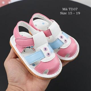 Dép sandal tập đi có kèn chíp chíp cho bé gái 0 - 18 tháng da mềm đế nhẹ TD37
