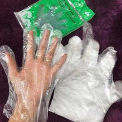 Găng tay dùng 1 lần tiện lợi 100 chiếc