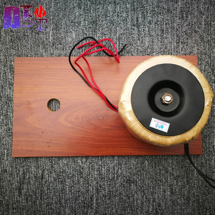Biến áp xuyến đôi 18V 300W - Kèm tấm gỗ đỡ