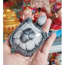 Cụ Rùa đá thiên nhiên 8cm màu đen vân trắng
