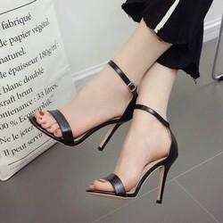 Giày sandal cao gót big size