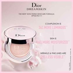 Phấn Nước Dior Capture Totale Dream Skin Moist & Perfect Cushion SPF 50 PA+ hộp 30gr của Pháp
