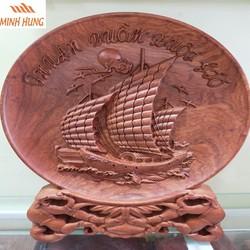 Đĩa gỗ phong thủy thuận buồm xuôi gió gỗ Hương Đá