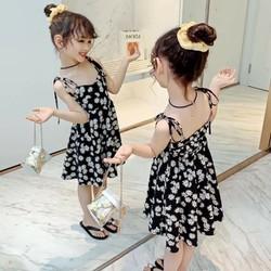váy hoa cúc dây lưng bé gái