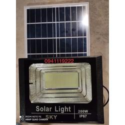 Đèn năng lượng mặt trời 200w abs