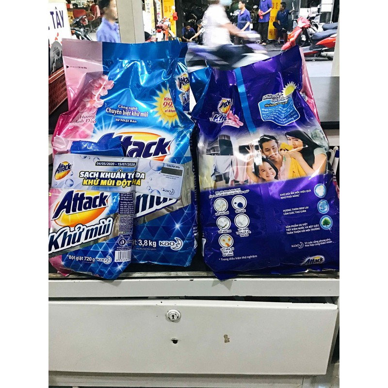 Bột giặt khử mùi Attack hương hoa anh đào 3,8kg tặng gói 720g( có mã cào) – qqww
