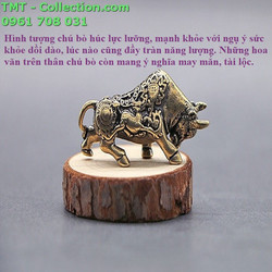 Tượng đồng bò húc Kích thước 4,5x1x2cm, màu đồng dùng để trang trí bàn sách, bàn học, trưng trong tủ kiếng, trên xe ôtô - TMT Collection - SP001522