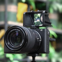 Có Sẵn  Gương Lật Màn Hình Cho Máy Ảnh Uurig R031 Cho Vlogger Và Youtuber   Có Thể Gắn Thêm Nhiều Phụ Kiện Khác