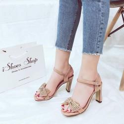 #Màu : Đen, Ghi, Vàng #Size: 35-39 - Dép sandal da bóng đính nơ hot hit 🔅 - Thiết kế tinh tế, màu sắc nổi bật, tôn da, dễ đi ☘ - Gót cao 7cm tôn dáng, dễ đi, quai cài