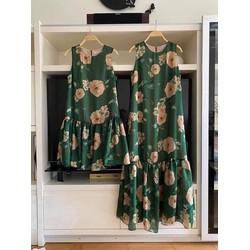 váy thiết kế hoa sang chảnh