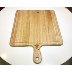 Thớt gỗ vuông có tay cầm và rãnh khắc chữ thực phẩm sống