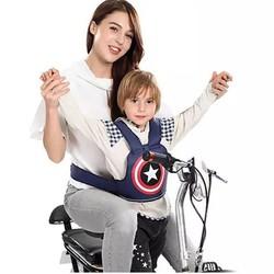 Địu đi xe máy-Đai ngồi xe máy 2 tư thế cho bé