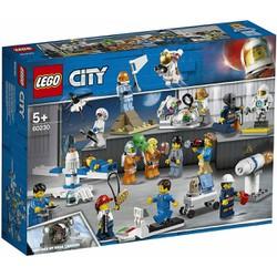 Bộ lắp ráp Đội Ngũ Nghiên Cứu Và Phát Triển Không Gian - LEGO City 60230 (209 Chi Tiết)