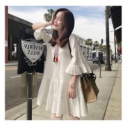 Đầm suông màu trắng 40-60kg vải lụa và lớp lót