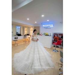 áo cưới trắng tay điệu đà dập ly trắng tùng tầng bồng