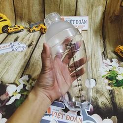 Bình lắc pha chế Cocktail cà phê trà sữa nước trái cây. Dụng cụ có chia vạch định lượng 500ml, 700ml. Bình nhựa trong suốt dễ quan sát, Dùng cho Nhà Hàng Bar
