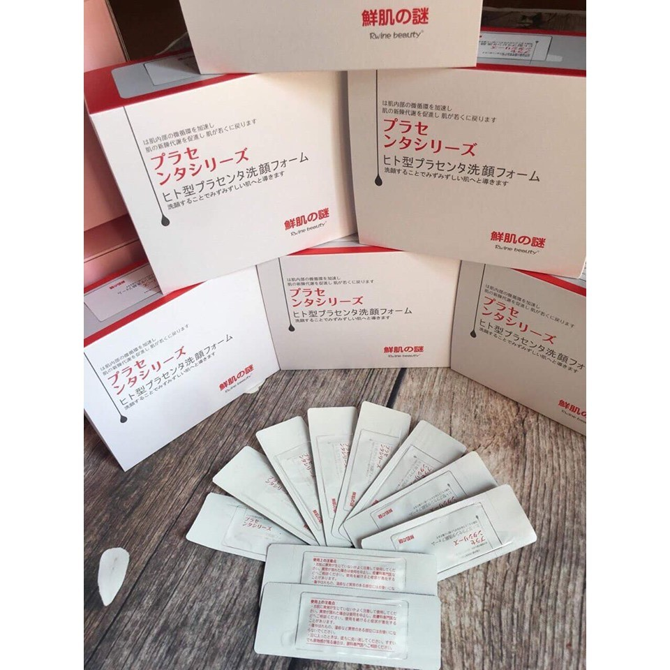 Mặt nạ ủ trắng nhau thai của Nhật Bản 1 gói
