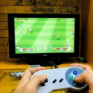 Máy chơi game cầm tay 4 nút chơi cực thích với 600 trò chơi cổ điển - giải trí cho cả nhà thumbnail