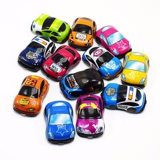 02 Mô hình xe ô tô mini bánh đà 5.5 cm làm đồ chơi cho bé 3 tuổi - Xe-2c thumbnail