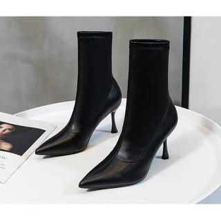 (Bảo hành 12 tháng) Giày Boot nữ gót mảnh thời trang cao cấp - Giày Boot gót nhọn cao 8cm - Giày Nữ da mềm 3 màu Đen Kem và Trắng - Linus LN228 - LN228D thumbnail