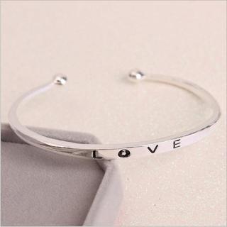 [MIỄN PHÍ VẬN CHUYỂN] Vòng tay nữ Love Luxury Korea đầy cá tính - thay bạn nói lời yêu thương từ con tim - VONGTAY-LOVE 7