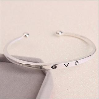 [MIỄN PHÍ VẬN CHUYỂN] Vòng tay nữ Love Luxury Korea đầy cá tính - thay bạn nói lời yêu thương từ con tim - VONGTAY-LOVE 5