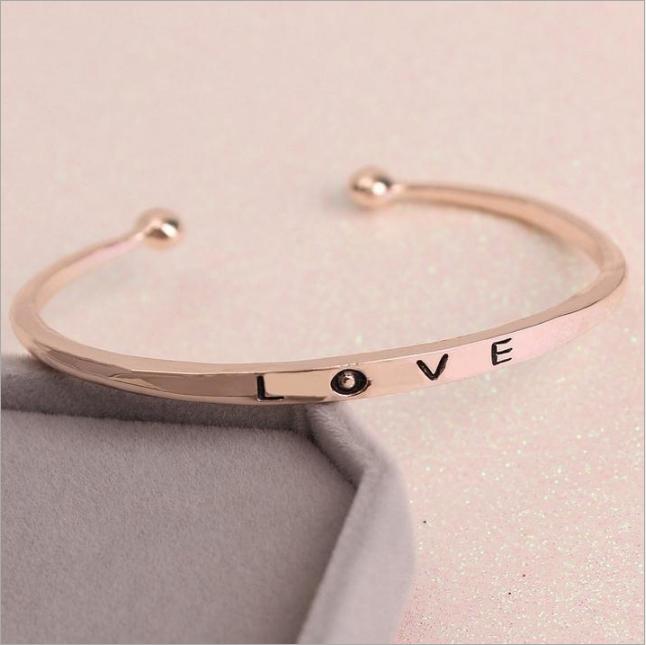 [MIỄN PHÍ VẬN CHUYỂN] Vòng tay nữ Love Luxury Korea đầy cá tính - thay bạn nói lời yêu thương từ con tim - VONGTAY-LOVE 4