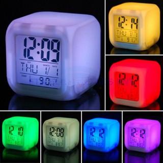 Đồng hồ để bàn hình vuông đổi màu - Đồng hồ để bàn hình vuông đổi màu thumbnail