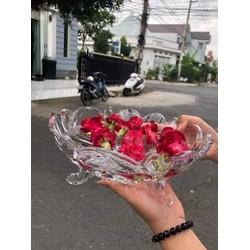 ĐĨA THUỶ TINH 3 CHÂN /-li /-li /-li 65k 🔥🔥đep rạng ngời và cứ gọi e là Hoa Hậu  🌲Đường kính miệng thố hoa quả: 24cm, cao 10cm. 🌲Sản phẩm khay hoa quả được làm bằng chất liệu thủy tinh pha lê cao cấp, không gây hại cho sức khỏe. 🌲Chất liệu thủy t