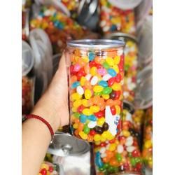 KẸO TRÁI CÂY ÓNG ÁNH /-li /-li /-li 65k/ hũ 600 gr  Cùng tên gọi dân dã Kẹo Óng Ánh nhưng nay đã khác, không phải là kẹo cứng như xưa mà kẹo Óng Ánh giờ đây là kẹo mềm, kẹo mềm Vị Trái Cây Thơm thơm vị ngọt dịu dàng sẽ đem đến cho bạn và gia đình, đặ