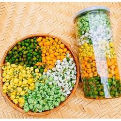 🥜🥜ĐẬU HÀ LAN MIX NGỦ VỊ - 5 vị 🥜🥜n/-li /-li 69k/ Hũ 440 grnn💁♀️Đậu hà lan được mix chỉ trong 1 hộp duy nhất, thêm sự lựa chọn thêm vị ngon cho cả hội bạn bè luôn ạ.nn💁♀️Đậu hà lan Wasabi - Đậu được sấy giòn, bùi kết hợp với vị mù tạt cay và v