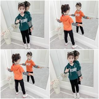 COMBO ngẫu nhiên 2 bộ quần áo thu đông trẻ em mẫu Security có mũ dành cho bé gái 6-10 tuổi. Thiết kế hợp thời trang, màu sắc tươi sáng - Combo 2 màu ngẫu nhiên thumbnail