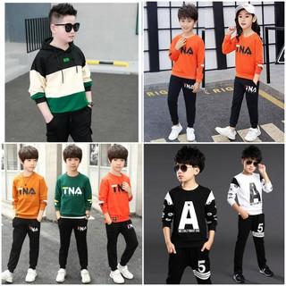 COMBO 3 bộ 3 mẫu 3 màu ngẫu nhiên quần áo thu đông trẻ em dành cho bé trai 18-28kg. Thiết kế hợp thời trang, màu sắc bắt mắt. - Combo 3 màu ngẫu nhiên thumbnail